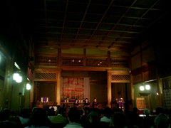 奈良基督教会礼拝堂内部